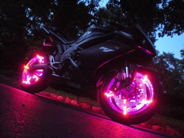 1466776144_heel-led-light.jpg?1595948268